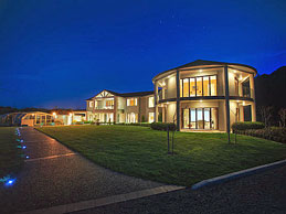 New zealand luxvillae for Luxury homes for sale new zealand